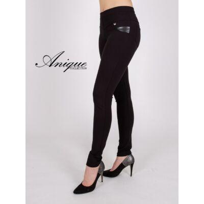 Vékony fekete nadrág